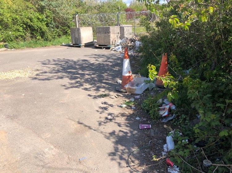 Central Avenue litter